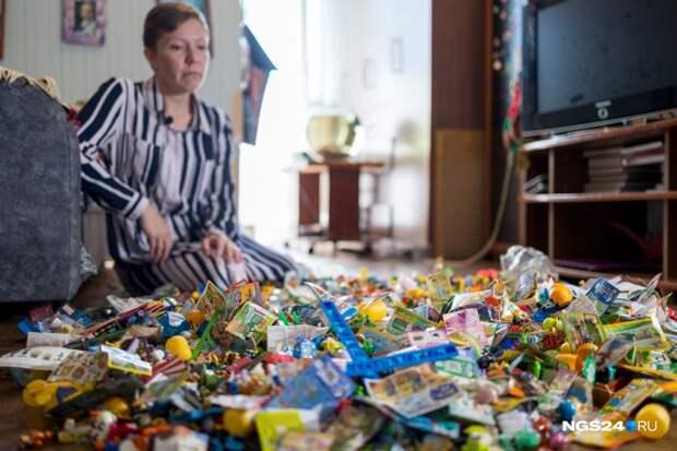 Россиянка 30 лет собирала киндер-сюрпризы и решила продать коллекцию