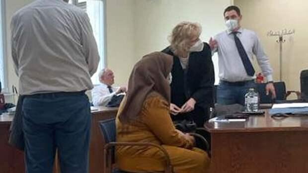 Пугающий ислам: в Саксонии семья избила до полусмерти девочку за отказ носить платок
