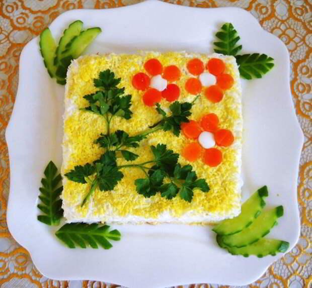 Идеи украшения салатов на 8 марта