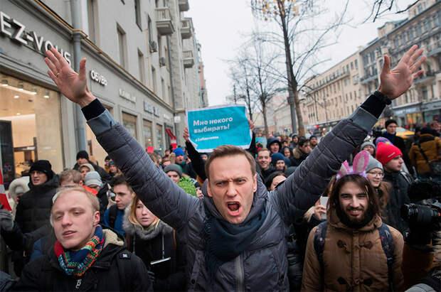 Выигрывает ли Кремль битву за молодежь