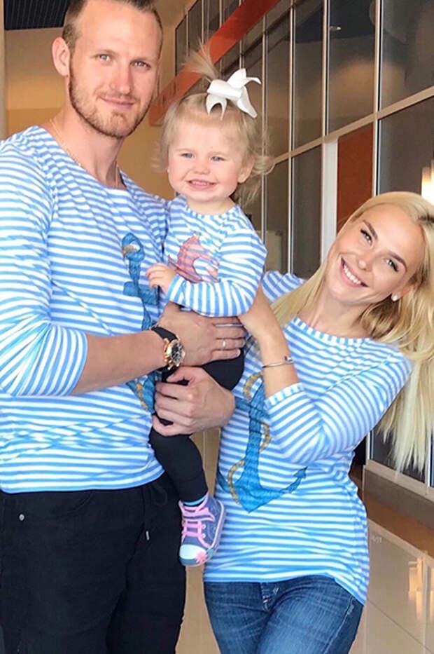 Иван Телегин и Пелагея с дочерью Таисией