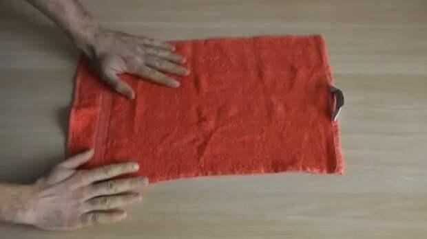 Не стоит выбрасывать старые полотенца. /Фото: i.ytimg.com