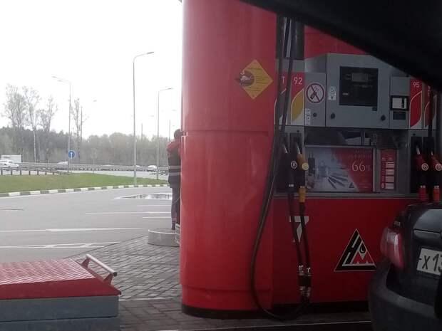 В России на четверть сократились траты на бензин