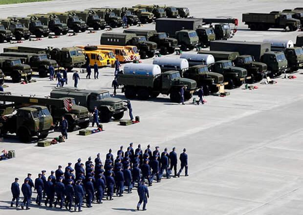 В Энгельсском соединении дальней авиации прошёл контрольный смотр готовности вооружения, военной и специальной техники