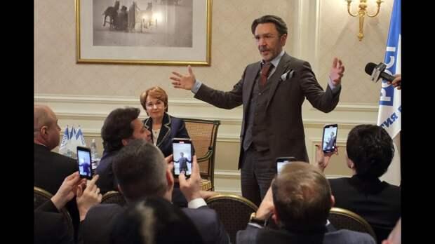 «Она сама постучала в двери»: Шнуров о начале карьеры политика