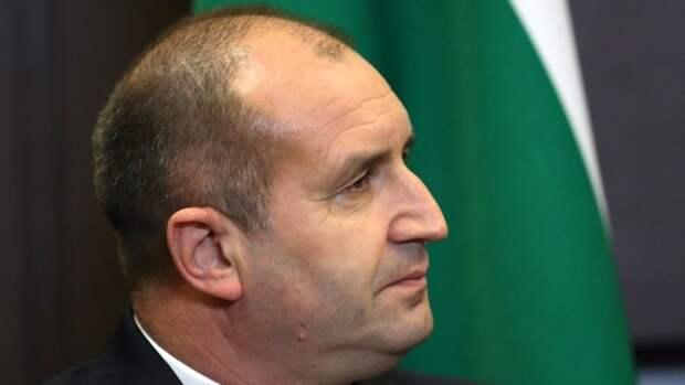 Радев выступил против сноса памятника Советской армии в столице Болгарии