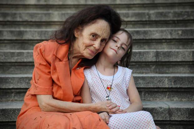 Как Адриана Илиеску родила дочь в 66 лет и почему ей это было нужно