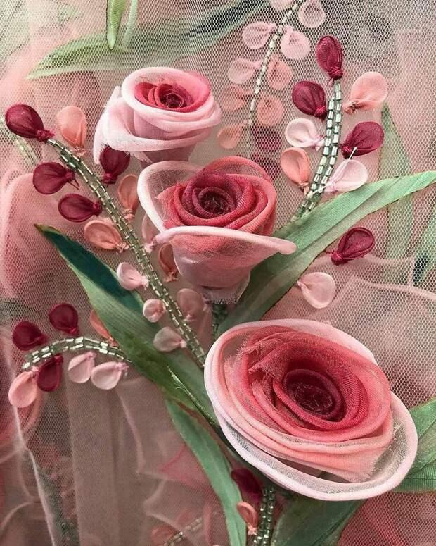Цветы из ткани в работах дизайнеров и мастеров вышивки, фото № 34