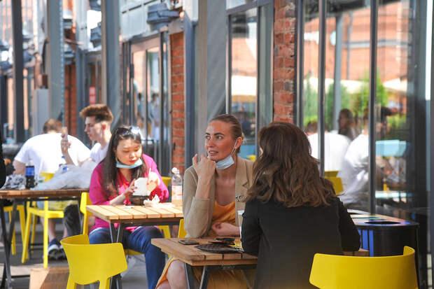 Летние кафе и веранды в Москве разрешат посещать без QR-кода