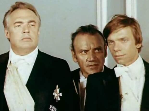 От джентльмена самоубийцы до арбатской шпаны. Самые яркие роли Владимира Лосева.