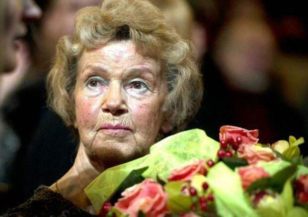 """""""40 лет одиночества после ухода мужа"""" Юлия Борисова. Сегодняшняя жизнь актрисы и ее романы"""