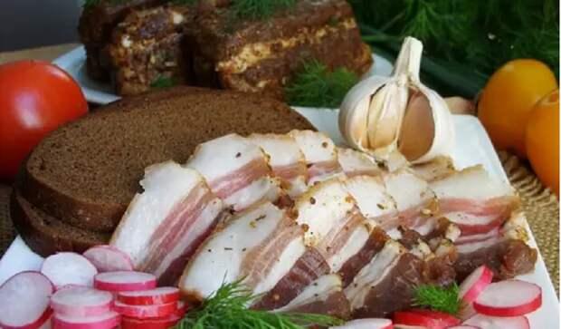 Соленое сало: 4 рецепта закуски от классики до экзотики
