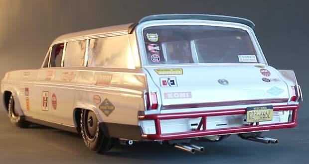 Инженер Димитр Тилев разработал радиоуправляемый игрушечный Oldsmobile Dynamic 88 Wagon образца 1963 года, способный дрифтить