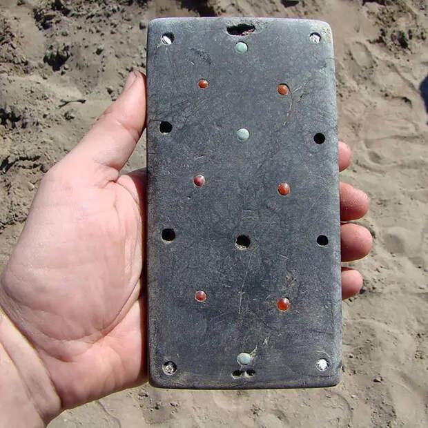 В захоронении возрастом 2100 лет археологи нашли «Наташу с айфоном»
