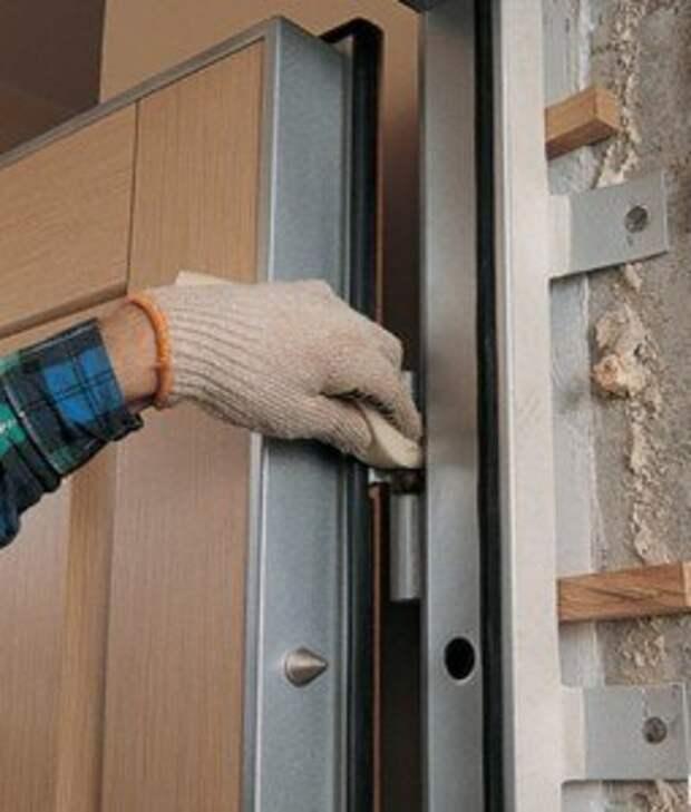 Как подогнать дверь по месту
