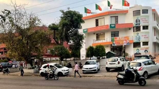 Четыре человека погибли при пожаре в COVID-госпитале в Центральной Индии