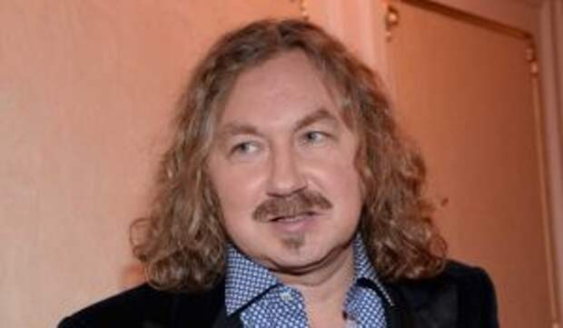 «Ну и запашок!»: в Сеть попало видео гуляющей по экскрементам жены Николаева