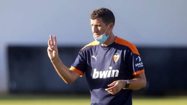 «Валенсия» намерена уволить тренера