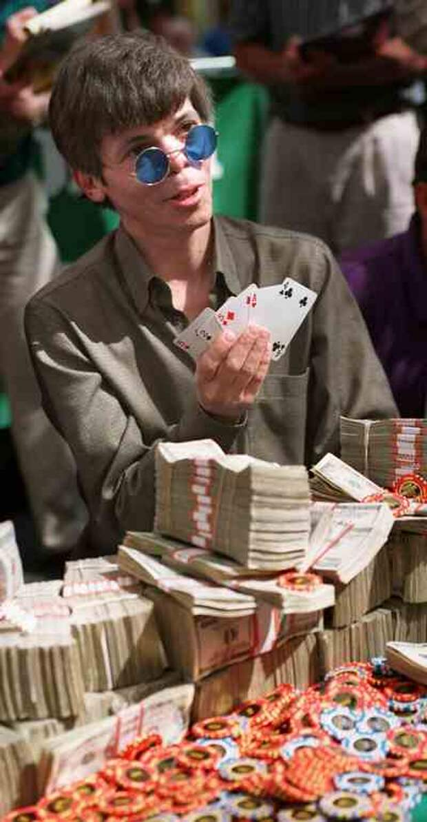 Величайший игрок в покер по прозвищу «Юнец» , который  не смог победить своего главного соперника — азарт