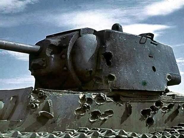 Один из обстрелянных под Сталинградом КВ-1