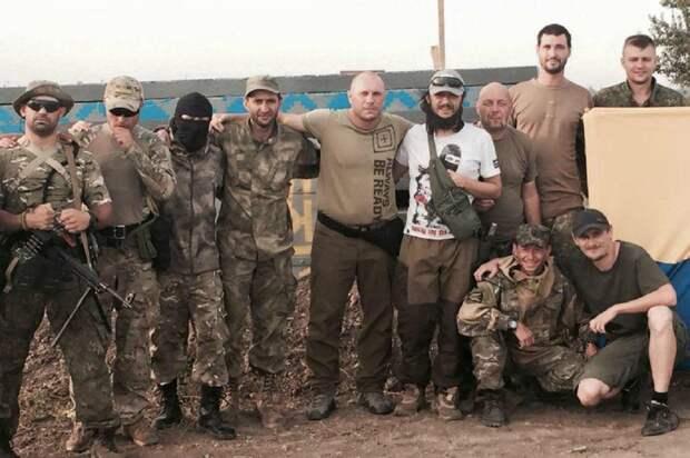 Участник карательной операции возглавил антифашистский марш украинской оппозиции