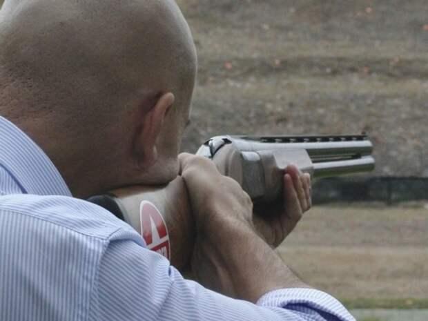 Фото чукотского охотника с надписью из десятков убитых гусей изучит полиция