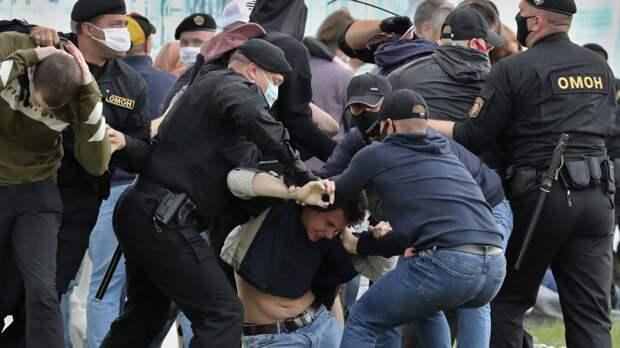 В Минске уже начались первые столкновения, есть раненые