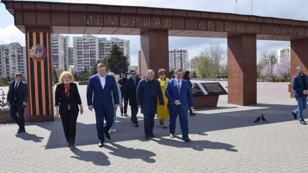 Евпаторию с рабочим визитом посетили Владимир Константинов и Евгений Кабанов