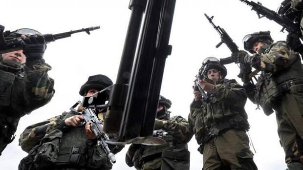 «Стягивают войска к границе»: к чему готовятся Москва и Минск
