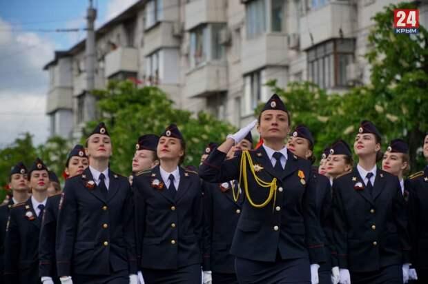 В Крыму прошли Парады Победы в честь 9 мая