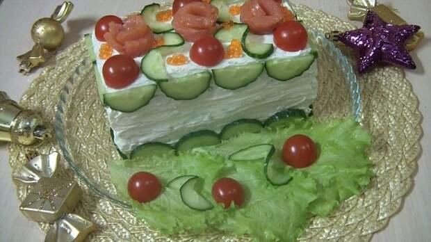Фото к рецепту: Праздничный бутербродный торт