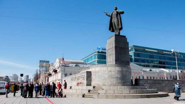 Историк госмузея: советские — не русские, в отличие от власовцев