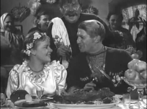 """Николай Крючков в фильме """"Станица Дальняя"""" (1939)"""
