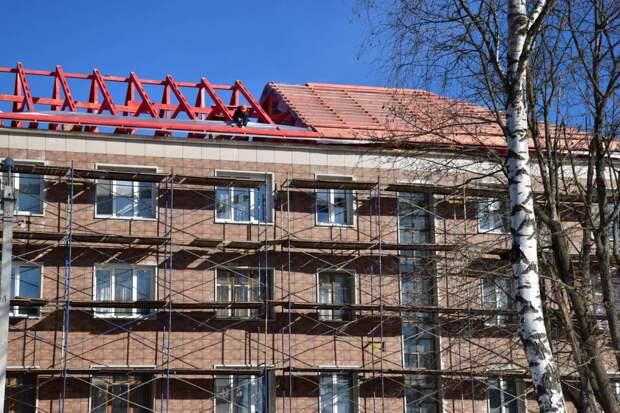 Более тысячи крыш многоквартирных домов отремонтируют в Подмосковье в этом году