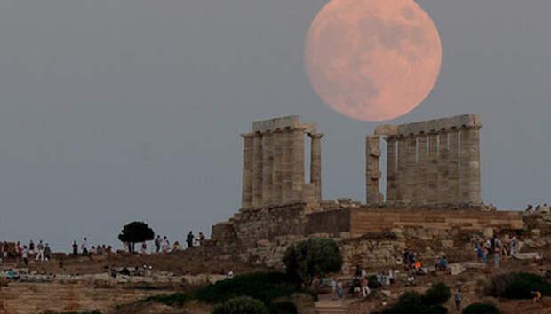 Греция отменила все ограничения на въезд для россиян