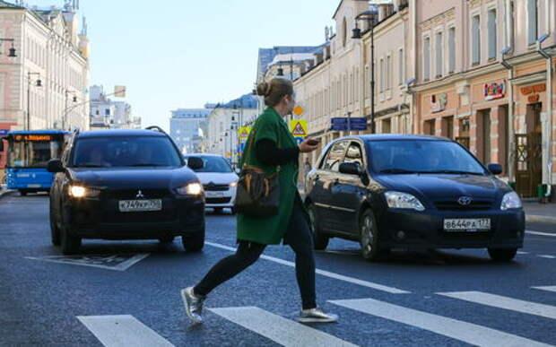 До 2500 рублей вырос штраф за непропуск пешеходов