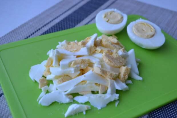 Вкуснейший салат, который я впервые попробовала в гостях. Теперь часто готовлю дома!