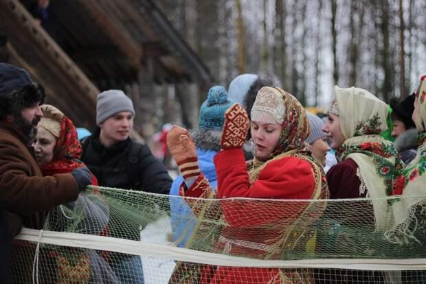 Жителей Удмуртии призвали носить медицинские маски на масленичных гуляниях