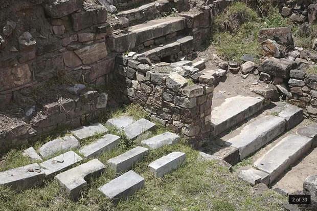Подземные помещения доколумбовой цивилизации Южной Америки в Чавин-де-Уантар