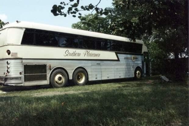 01 Eagle Bus