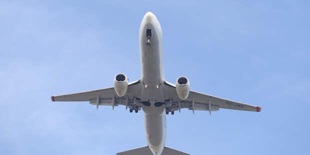 Boeing совершил вынужденную посадку в Новосибирске из-за датчика задымления