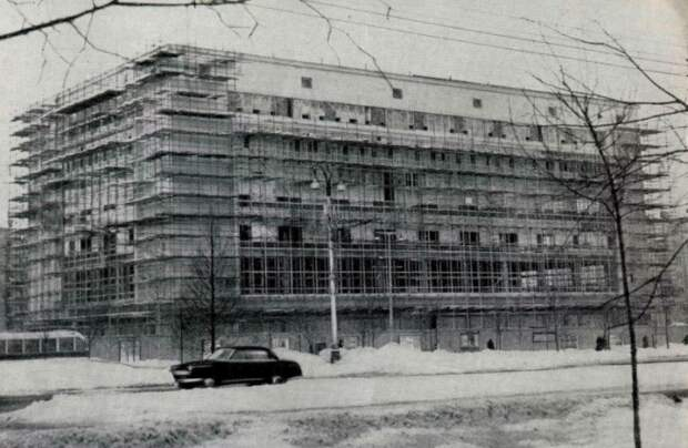 Возведение здания было начато в 1958 году / Фото: