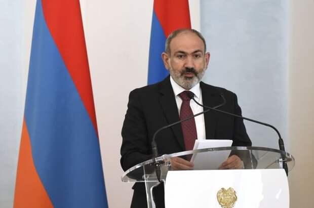 Пашинян объяснил конфликт в Карабахе тем, что «Бог отвернулся от Армении»