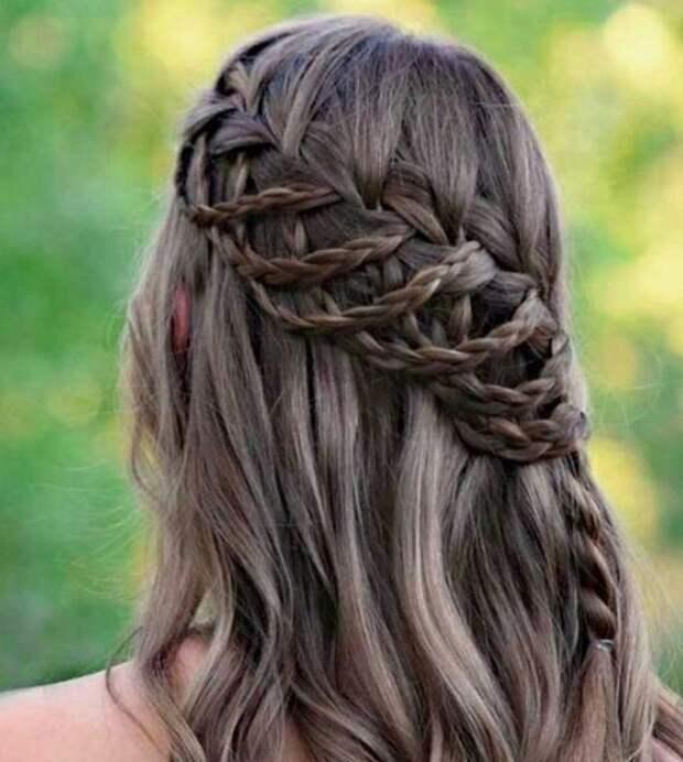 Романтичная прическа с косами