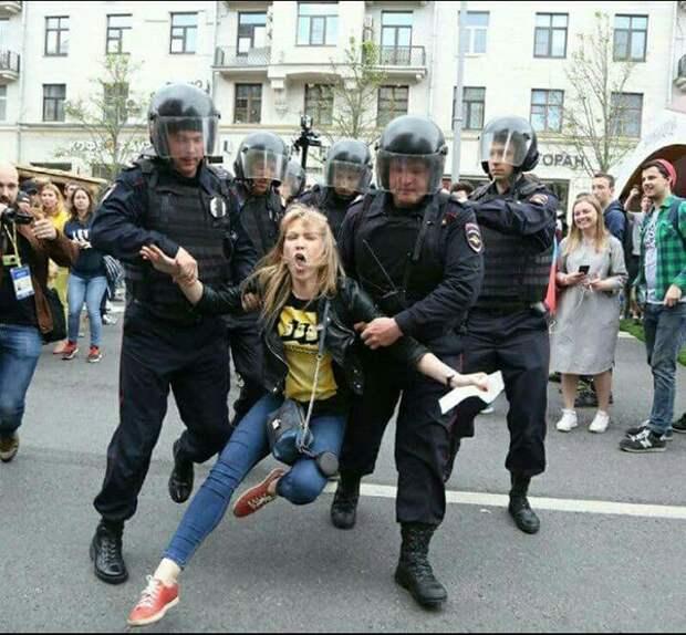 Жесткие вопросы Навальному по митингу 12 июня в Москве