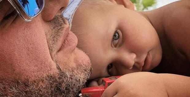 Максим Виторган общается с 3-летним сыном на таинственном языке