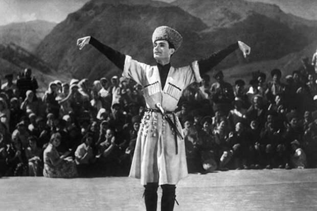 махмуд эсамбаев танцует лезгинку