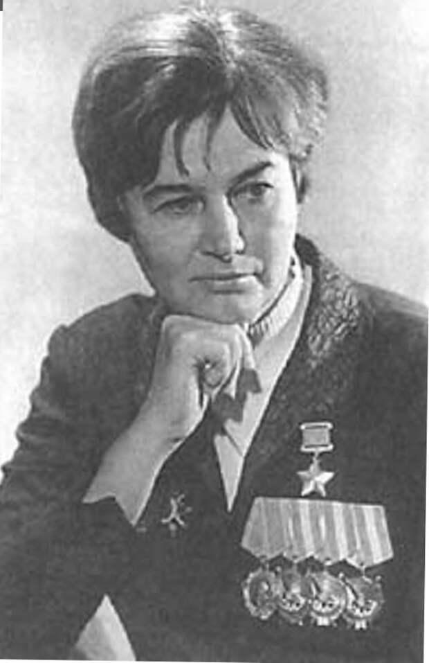 Герои Советского Союза. Наталья Фёдоровна Ме́клин