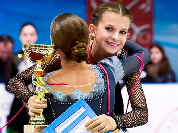 Юная русская фигуристка Шаботова решила выступать заУкраину. Она советовала пить допинг