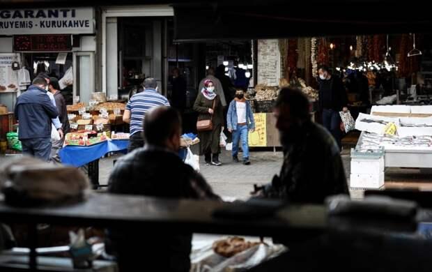 Турецкие власти рассказали, как страна будет выходить из всеобщего карантина